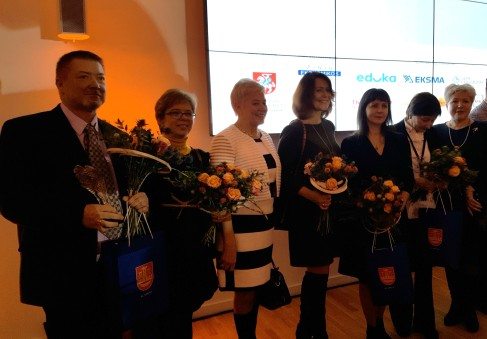 Uostamiesčio geriausieji su Klaipėdos miesto savivaldybės švietimo skyriaus darbuotojomis