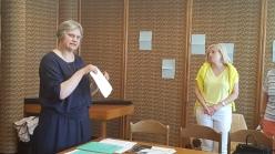 Dr. Zita Nauckūnaitė pasiūlė pabandyti su vaikais parašyti popieriaus, akmens, augalo autobiografiją. Tikrai bandysiu!